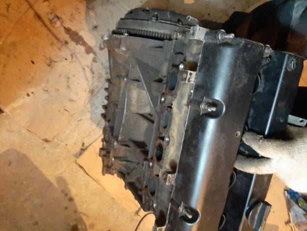 Продам двигатель на запчасти, по запчастям  ford focus, hwda, shda