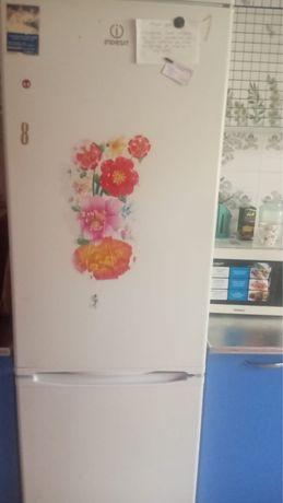 холодильник в рабочем состояний