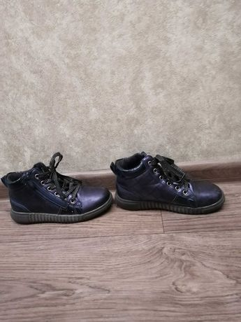 Продам весенние ботинки для девочки
