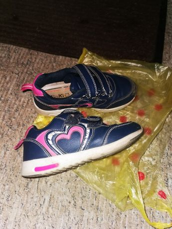 Туфли осень весна на девочку 26 размер