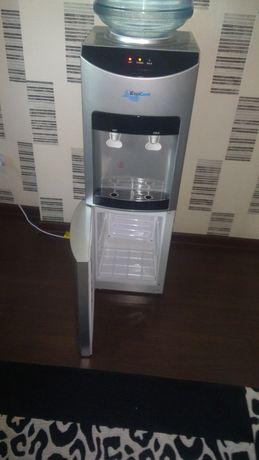 Продам деспенсер для воды