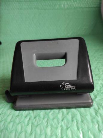 Perforator hârtie