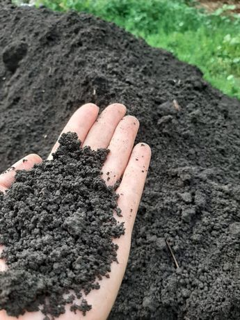 Горный чернозём рыхлый в мешках.Очищенный.Без камней,без корней.
