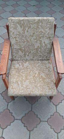Кресла б/у в хорошем состоянии