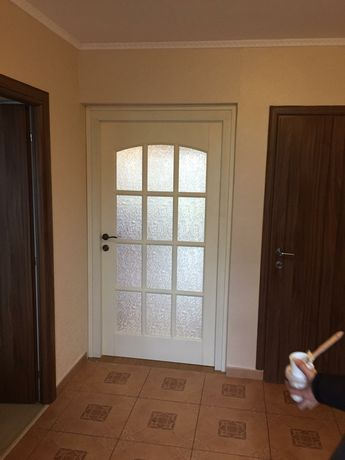 Montaj/Reglaj uși interior/exterior