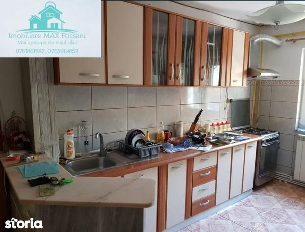 Apartament 3 camere, 70 mp, et. 1/3, renovat, mobilat si utilat, CT