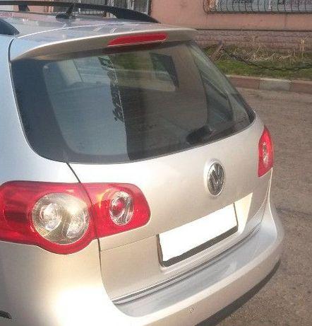 Задняя дверь багажника Volkswagen Passat 2009 года. Универсал