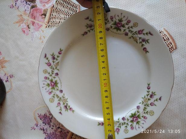 Продам плоские тарелки