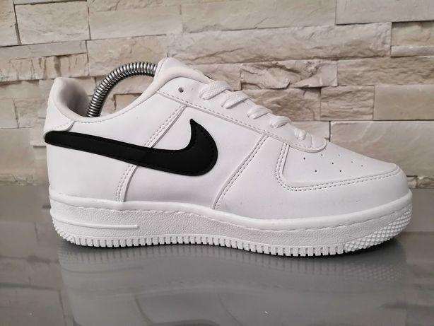 Adidasi Barbati Nike Air Force 1 White & Black!