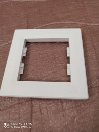 Единична рамка  Schneider Asfora