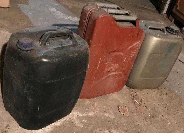 Vand canistra metalica si bidoane plastic