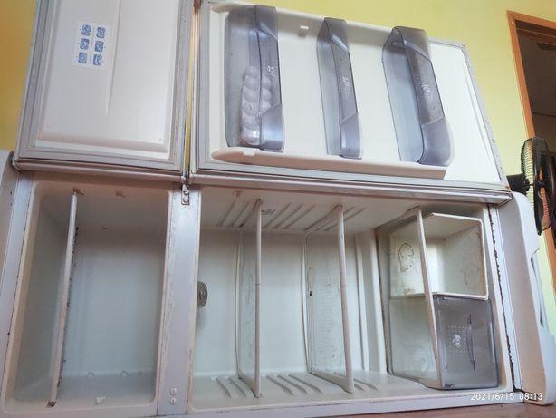 Холодильник  Бирюса требует ремонта.