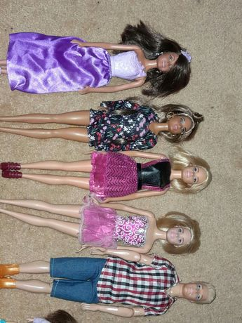 Кукли с дрехи и аксесоари