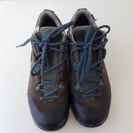 Vand pantofi sport LOWA,(vans,adidas,nike)