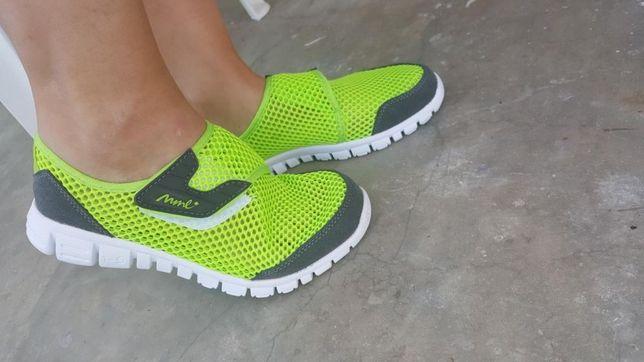 Pantofi sport verde neon