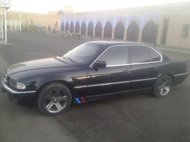 Продается автомобиль БМВ 740