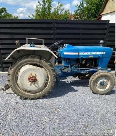 Tractor FORD 3000, motor defect
