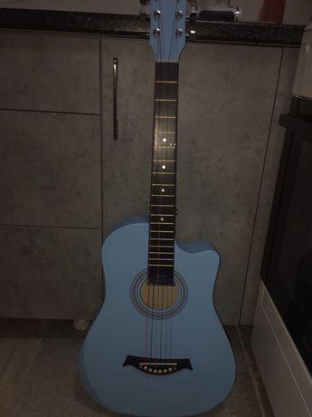 Акустическая гитара (туристическая)