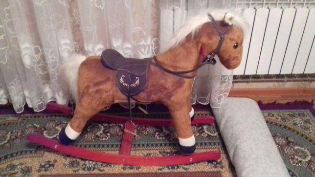 Продается детский игрушечный конь.  Шымкент.