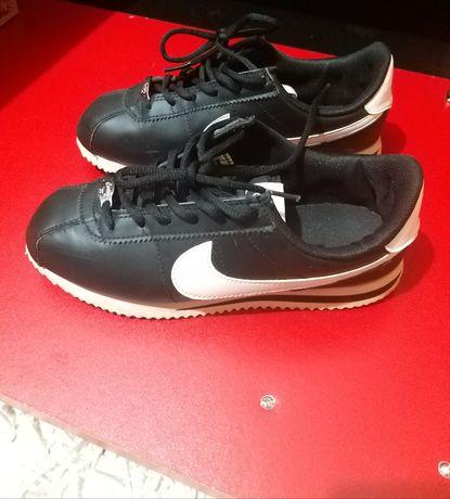 Adidasi Nike nr 37