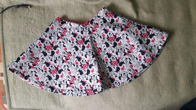 vand fustă clos Minnie Mouse si bluză florală model uauuu