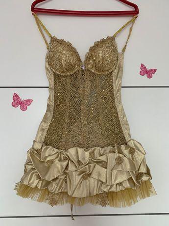 Продавам ефектна бутикова рокля