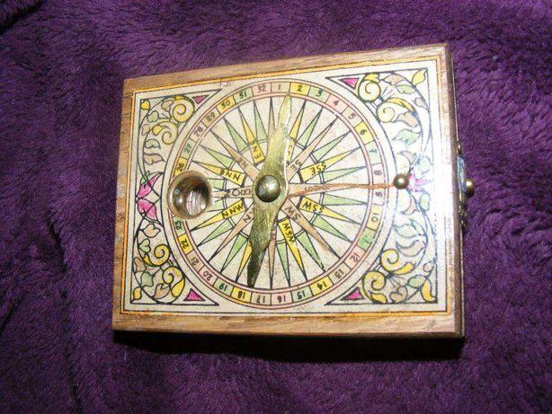 busola antica militara de buzunar tip carte,harta antica,colectie