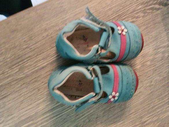 Летни обувки за момиче