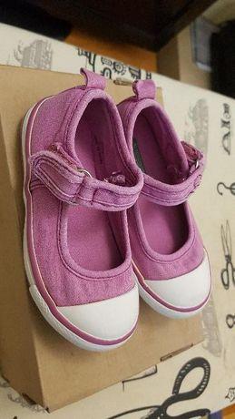 Детски леки обувчици Benetton