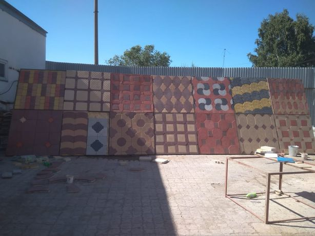Тротуарная плитка, брусчатка, поребрики, навершие, забор ж/б , цоколь.