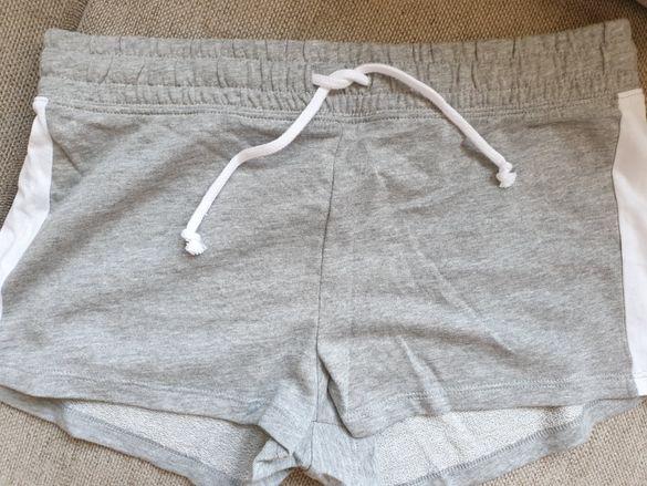 НОВИ Дамски къси панталони h&m