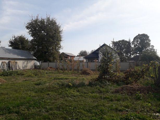 Casa demolabilă cu 700 de metri teren