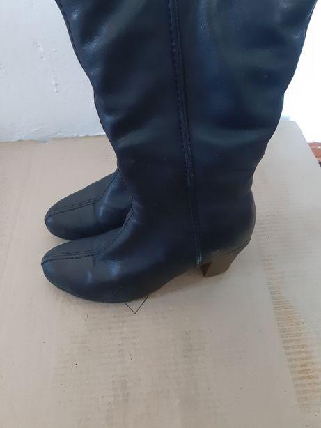 Продам женские сапоги и туфли осень и зима