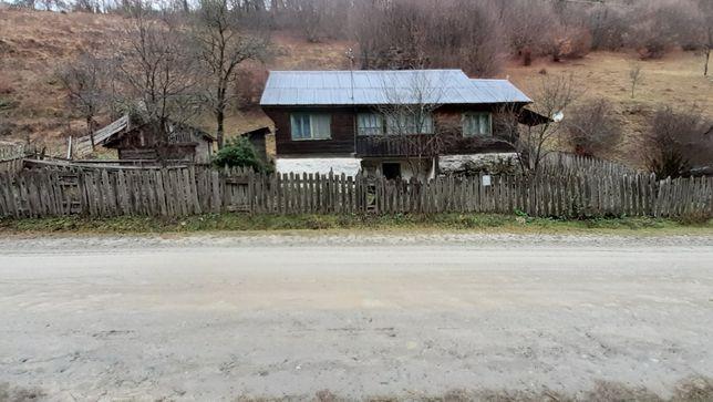 Vand casa in zonă de munte!