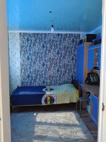 Продам ковваный  кровать с матрасом новый почти  срочна продам стенку