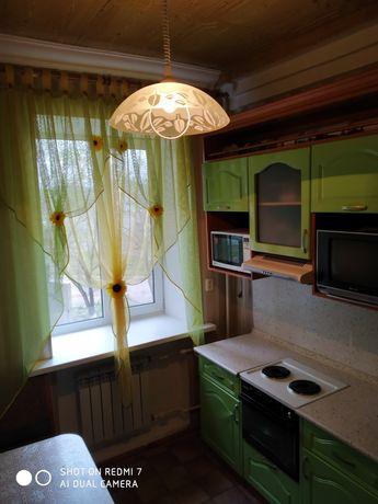 Продается 2х-комнатная квартира на втором этаже с гаражом