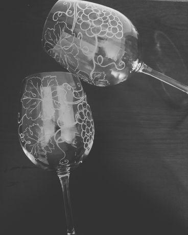 Ръчно гравирани чаши за вино