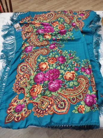 Головной платок с кистями