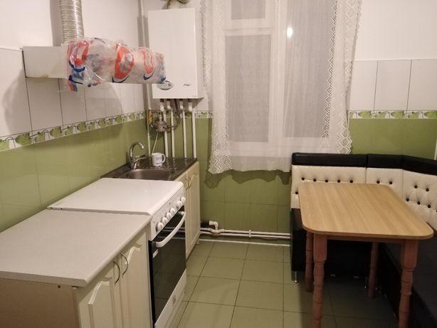 vand apartament 2 camere în Precista , Șc. nr. 10