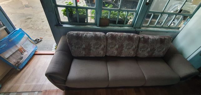 Продам комплект диван и 2 кресло