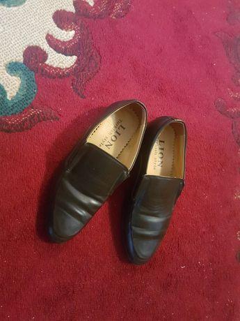 Детскй мужской туфли