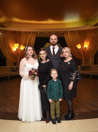 Фотограф: семейные, индивидуальные фотосессии, съёмка мероприятий.