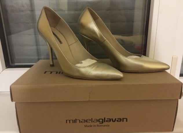 Pantofi Mihaela Glăvan