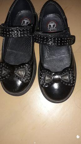 Продам туфли кожанные TifLani на девочку размер 29
