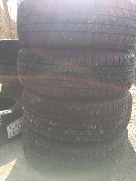 Зимни гуми Bridgestone 195/60/16 dot 2010 7mm грайфер с. Червена локва - image 1