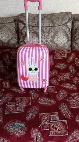 Детский чемодан 5000 тг