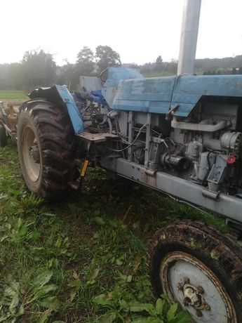 Vând tractor stare buna de funcționare
