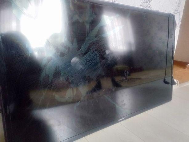 Телевизор Samsung 2014г