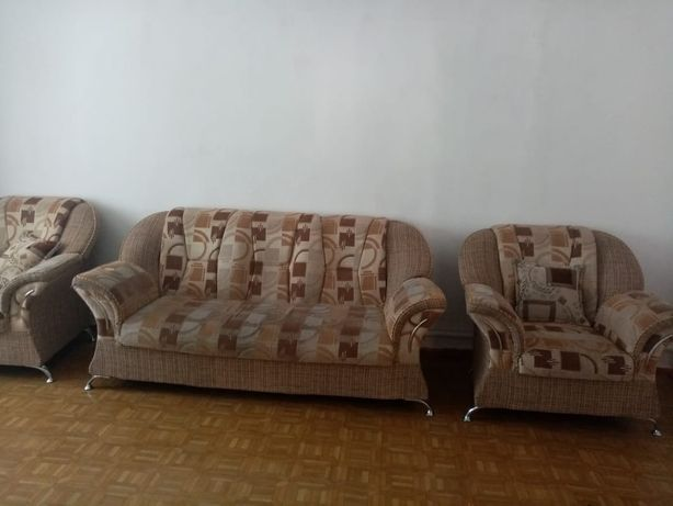Продаю диван +2 кресло