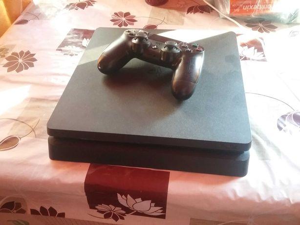 Vand PlayStation 4 slim 500 gb cu Gta V si Mortal Kombat 11